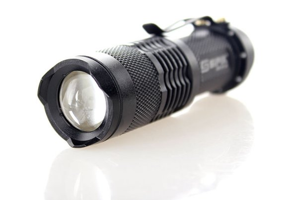 PRODUCT REVIEW:  Sipik SK68:  The best $5 flashlight.  Ever.