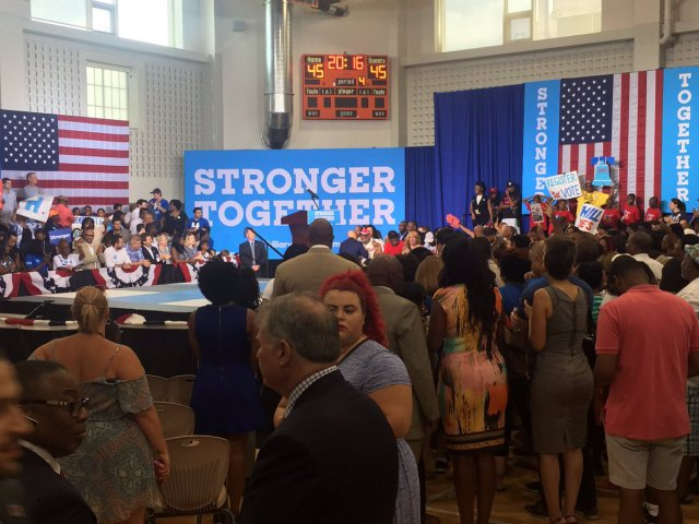 clinton-philly-1
