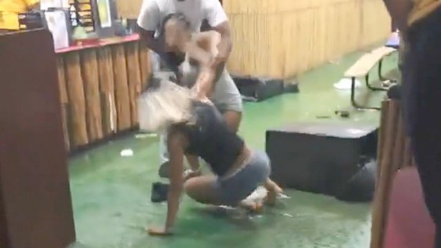 A GOOD TIME TO LEAVE:  Big fight at children's restaurant in Norridge, IL (Cook County)