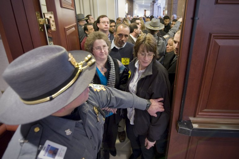 Woman Ejected From Connecticut Hearing For Threatening to Shoot Legislator, NRA Members